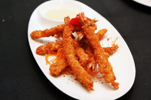 Jumbo-Ebi---deep-fried-crispy-shrimps-served-with-spicy-mayo---great-alternative-to-tempura